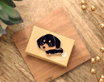 Dachshund Pin (Black and Tan Doxie)