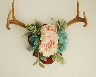 Real Vintage Floral Deer Antler Mount - Taxidermy Wall Hanging Flowers Succulents Blush Pink Green Blue Home Wall Decor Decoration Taxidermy