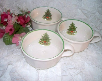 Pfaltzgraff Christmas Heritage ALL Original - Set of 3 Coffee Cups - Barely Used