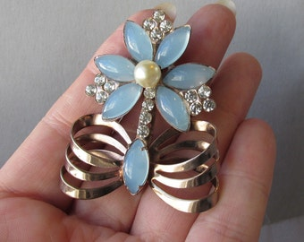 Retro 1940's Blue MoonGlow Rhinestone & Faux Pearl Flower Rose Gold Tone Vintage Pin