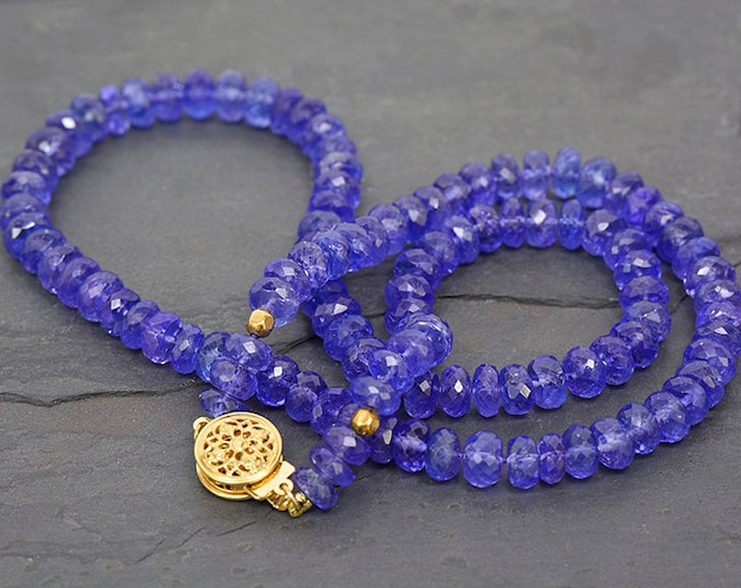 UPRISING SALE! Fantastic Faceted Tanzanite Bead Necklace with 14 kt Yellow Gold Clasp 113.0 cts.