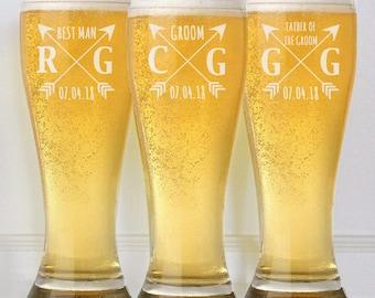 Personalized Groomsmen Gifts, 10 Beer Glasses, Pint Glasses, Custom Beer Mugs, Gifts for Groomsmen, Wedding Toasting Glasses, Groomsmen Gift