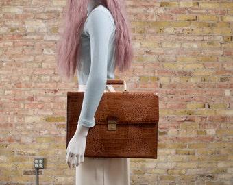 80s portfolio bag / briefcase / oversized clutch / large portfolio bag / faux croc bag / textured handbag / top handle purse