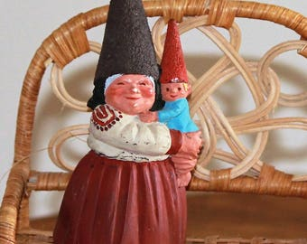 Vintage Rein Poortvliet Artina 1988 Resin Gnome Mother Holding Baby