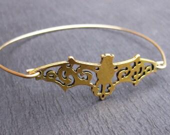 Gold or Silver Bat Wings Bangle Bracelet, Filigree Bat Jewelry, Halloween Jewelry, Bat Bracelets, Vampire Jewelry, Bat with wings Bangle