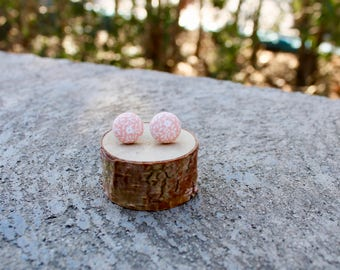 Peach Floral Fabric Button Earrings // Pink White  // Trendy Earrings // Vintage Earrings // Covered Buttons // Studs / Tiny Flower Earrings