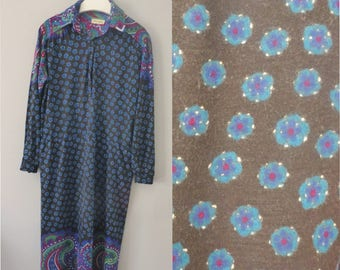 70s shirt dress. XL size. Bohemian longsleeved soft cotton with synthetic dress, with tag made in Greece. In a very good vintage condition.