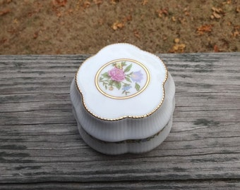 """1990s Vintage Porcelain Trinket Music Box by Heritage House, Melodies, Celebration Collection, Plays """"Always,"""" Gold Trim, Flowers, Collector"""