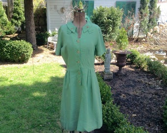 1940s Vintage Dress Apple Green Dotted Swiss Cotton with Carved Buttons