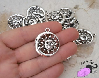 4 Pendants with Sun and Moon - antique silver tone - SP87-190