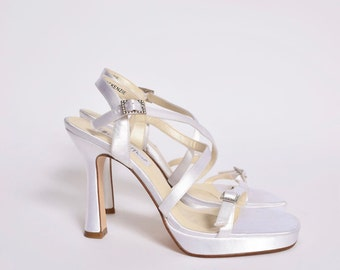Vintage White Satin High Heel Shoes with Straps
