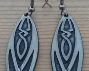 Vintage open ocean celtic design drop earrings