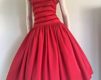 Gorgeous Vintage 50s Red Drop Waist Gown / Full Skirt / Small  / Wedding