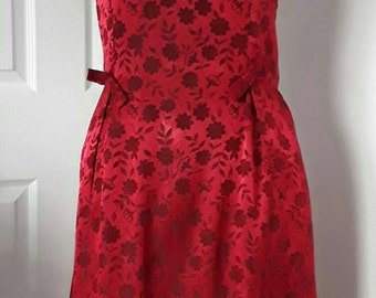 """50s Dark Red Satin Dress / Vintage Floral Brocade Dress / Vintage 50s  / Princess  Line Bow Detail Dress / Rouge Floral Dress / Chest 40"""""""