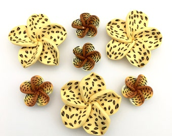7 Polymer clay handmade flowers,flat back 21mm and 40mm #FL117