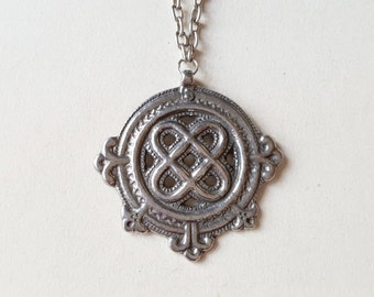 Early Kalevala Koru Pewter Pendant with Chain, Finland, 1940s (F967A)