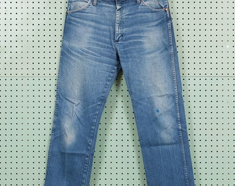 Vintage Wrangler Blue Denim Jeans Size 36x29 Made in USA 13MWZ Great Fade
