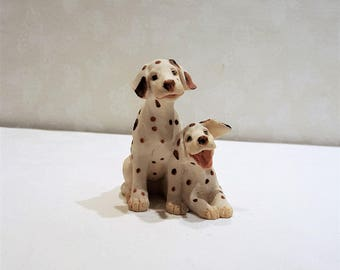 Vintage ARTEFICE OTTANTA  Dalmation Puppies Collectible Carved Figurine Made in Italy presented by Donellensvintage