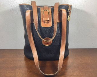 Dooney and Bourke Buchet Bag, all Weather Leather, Purse, Shoulder Bag, Black, British, Tan