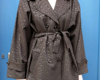 Vintage Trench Coat , Black trench coat  Size medium