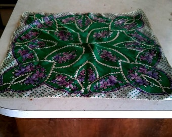 Vintage Silk green scarve ~ Green floral silk scarve ~ Saint  Patrick's Day scarve