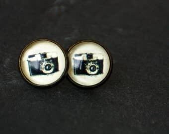 12 mm ear studs, camera