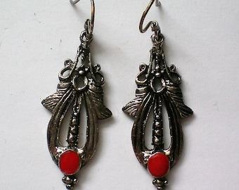 Southwestern Style Silver tone Pierced Earrings - 5188