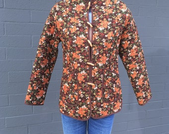 Vintage Medium Quilted Mandarin Brown Orange Flowered Jacket Toggle buttons Asian Oriental peasant traditional