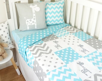 Grey and aqua giraffe patchwork nursery (Aqua spot quilt backing fabric)