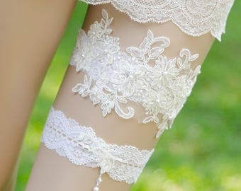 Ivory Lace Pearl Garter, Ivory Wedding Garter Set, Lace Bridal Garter, Keepsake and Toss Garter Set, Vintage Lace Garter- MARNI GARTER SET