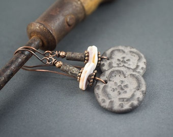 rustic natural earrings • ceramic discs • shell • raw glass • artisan beads • flowers • tribal earrings • primitive • matte grey • entre2et7