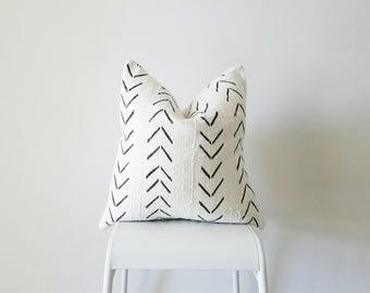 Editor's Pick Mudcloth Pillow Cover, Authentic Vintage Mali Bogolan, Ivory/Cream White, Arrows, Chevron, Geometric
