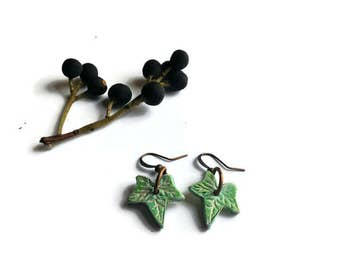 Clay ivy leaf earrings, Green ivy leaf, Green leaf earrings, Bright green ivy leaf, Nature earrings, nature jewelry, nature gift, clay leaf