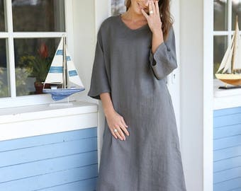 Long and loose dress. Japanese style casual tunica. Wide dress with side pockets. Washed linen dress with kimono sleeves.