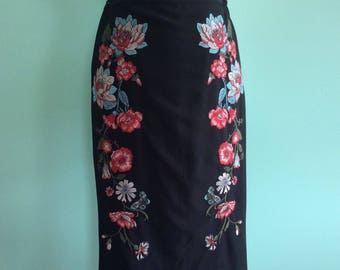 50s Style Pinup Rockabilly Wiggle Pencil Skirt With Floral Embroidery - Size 10