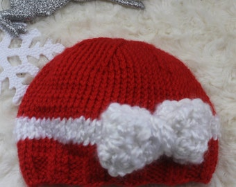 Girls beanie hat with bow// Red baby girl hat// Girls Christmas hat// Red and white beanie hat// Kids cute beanie hat