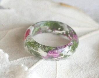 resin ring Petal resin ring Flower petals ring Nature inspired engagement rings Resin ring flower Nature resin ring Real flower ring green