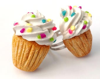 Realistic Cupcake Ring, Cupcake Jewelry, Baker Gift, Cute Ring, Food Charms, Polymer Clay Food Jewelry