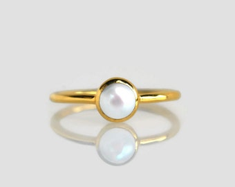 pearl ring gold, pearl ring, gold pearl ring, white pearl ring, gold ring, pearl jewelry, freshwater pearl,  Christmas gift, gift for her