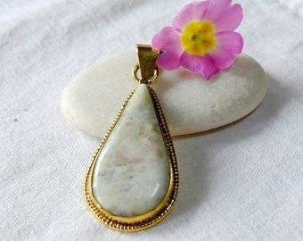 Jade of Guatemala - dew drop pendant
