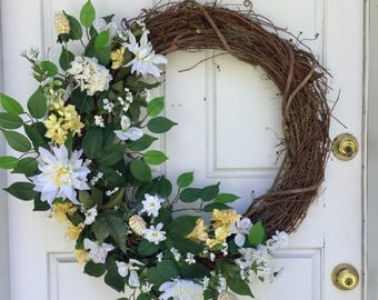Yellow + White | Spring Wreath | Summer Wreath | Greenery Wreath | Grapevine Wreath | Front Door Wreath