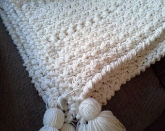 Chunky Crochet Blanket Soft White and Cream, Chunky Throw Afghan