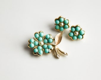 Sarah Coventry Brooch and Clip-on Earrings Set ~ Turquoise Color Faux Pearls ~ Vintage Jewelry