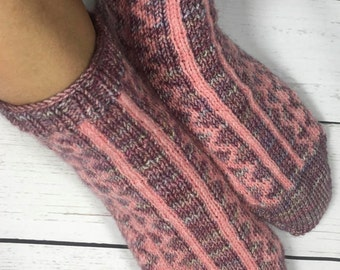 KNITTING PATTERN for Inlet Socks - Sock pattern - Charted pattern - digital download - Colorwork pattern - Stranded knitting