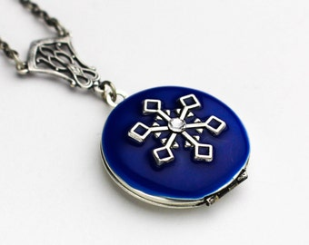 Snowflake Necklace - Locket Necklace - Locket - Winter Necklace - Winter Jewelry - Winter Collection