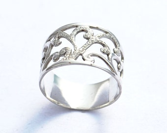Unique Everyday Ring, Wide Band Ring, Unique Silver Ring, Unique band Ring, Hammered Silver RIng, Textured Silver Ring, Silver Wedding Band