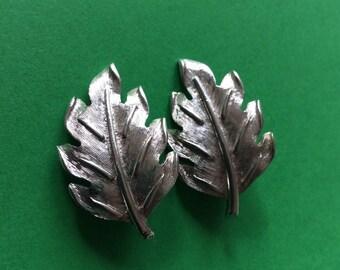 Vintage Kramer Silver Clip-on Leaf Earrings