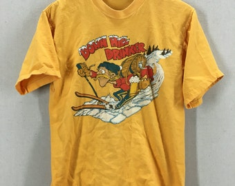 Vintage 1978 Skiing Down Hill Drinker Funny Humor Crazy T-Shirt Fits like a Medium/Large