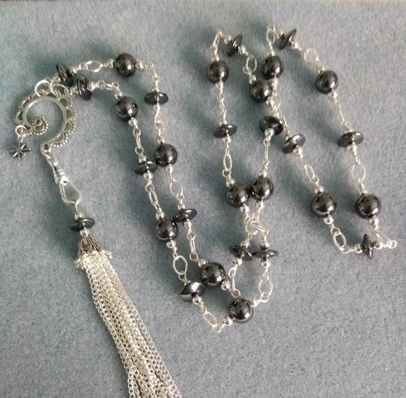 Hematite Lanyard And Swirl Pendant With Detachable Lanyard Clip L6151750