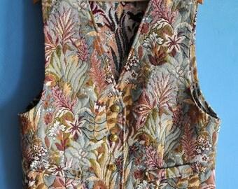 Vintage tapestry vest, 90s floral vest, Boho vest, flower pattern vest, festival top, botanical vest